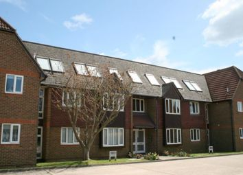 Thumbnail 1 bed flat to rent in Worthing Road, Littlehampton, West Sussex