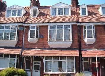 Thumbnail 2 bed flat to rent in Lime Hill Road, Tunbridge Wells, Kent