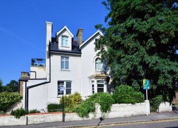 Thumbnail 2 bed flat to rent in Wellesley Road, Chiswick