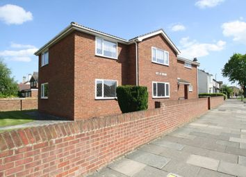 Thumbnail 2 bed flat to rent in Eaton Road, Leigh-On-Sea