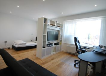 Thumbnail Studio to rent in Balfour Road, Hounslow