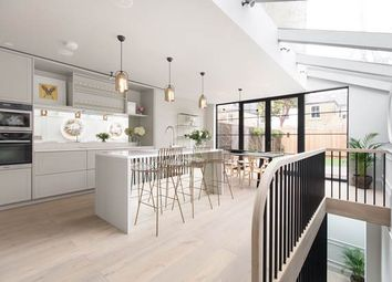 Thumbnail 5 bed property for sale in Wavendon Avenue, London