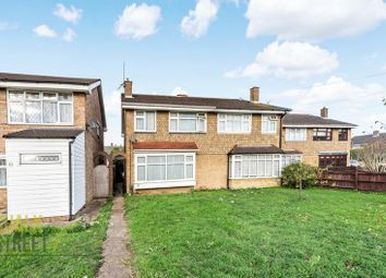 4 bed property for sale in Falcon Way, Hornchurch RM12