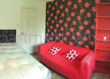 Thumbnail Room to rent in Bowers Walk, London