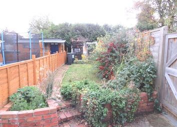 Thumbnail 2 bed property to rent in Mount Pleasant, Hildenborough, Tonbridge