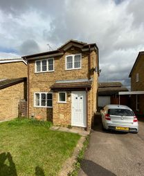 Thumbnail 3 bed detached house to rent in Celandine Drive, Luton