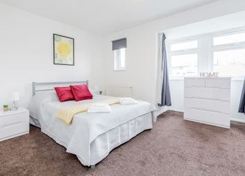 Room to rent in Sterling Place, London W5