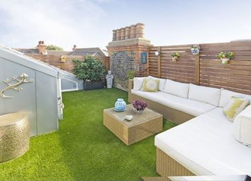 Thumbnail 3 bed flat to rent in Fulham Park Gardens, London