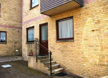 Thumbnail 2 bed flat to rent in Easthill Road, Ryde