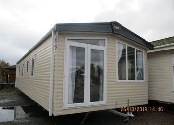 2 bed mobile/park home for sale in Marine Road, Pensarn, Abergele LL22