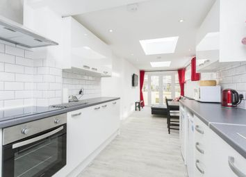 Room to rent in Harold Road, Southsea PO4