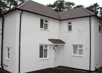 Bolley Avenue, Bordon, Hampshire GU35. 3 bed detached house