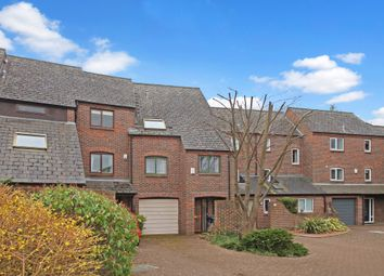 Thumbnail 4 bed town house for sale in Dale Close, Oxford