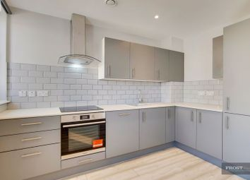 2 bed flat to rent in Station Approach Road, Coulsdon CR5