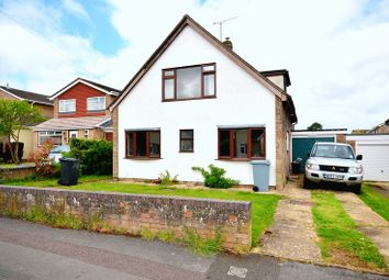 Thumbnail 2 bed property to rent in Butlers Drive, Carterton