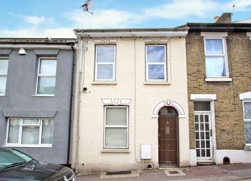 Thumbnail 1 bed flat to rent in Pagitt Street, Chatham