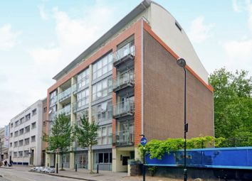 Thumbnail 1 bed flat to rent in Featherstone Street, Old Street, London EC1Y8Sl