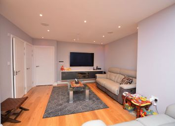 Thumbnail 4 bed property to rent in Leiston Spur, Slough