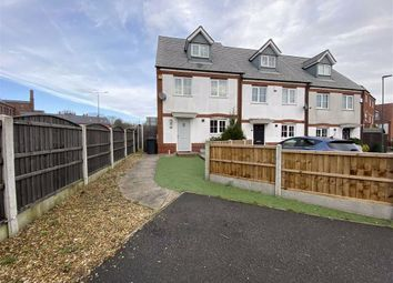 3 bed town house to rent in Disraeli Crescent, Ilkeston, Derbyshire DE7