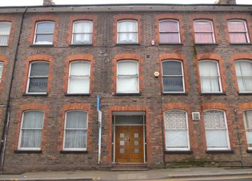 Thumbnail 3 bedroom flat to rent in Park Street West, Luton