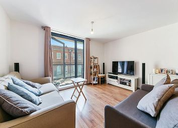 Eluna Apartments, 4 Wapping Lane, Wapping, London E1W. 1 bed flat