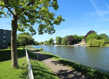 2 bed flat for sale in Riverside Road, Staines-Upon-Thames TW18
