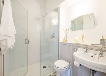 Clifton House, Pinner, Northwood HA6. 2 bed flat for sale