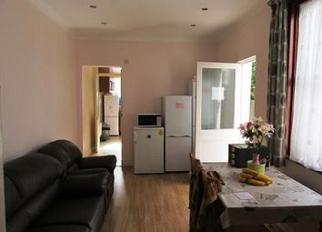 Thumbnail Room to rent in Dongola Road, London