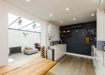 Thumbnail 2 bed flat for sale in Hackford Road, Stockwell