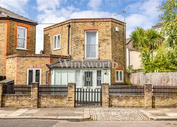 1 bed property for sale in Station Crescent, London N15