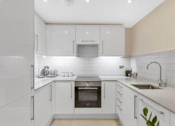 Thumbnail 1 bed flat to rent in Devonia Road, London