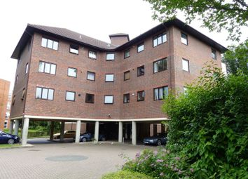 Thumbnail 2 bed flat for sale in Ray Park Road, Maidenhead