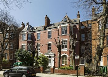Thumbnail 3 bedroom flat for sale in Compayne Gardens, South Hampstead