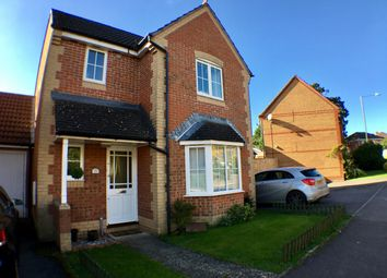 Thumbnail 3 bed detached house for sale in Foxglove Way, Thatcham, West Berkshire