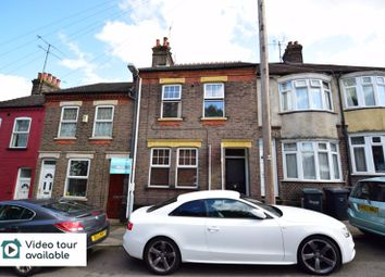 2 bed flat to rent in Strathmore Avenue, Luton LU1