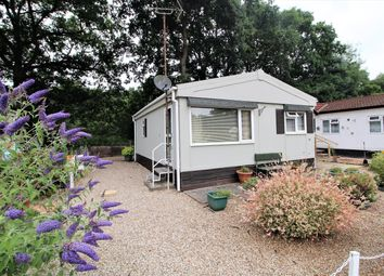 Thumbnail 1 Bed Mobile Park Home For Sale In Lane Finchampstead Wokingham