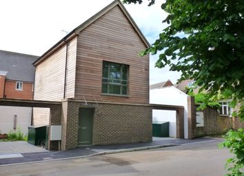 Thumbnail 4 bed detached house to rent in Comptons Brow Lane, Horsham