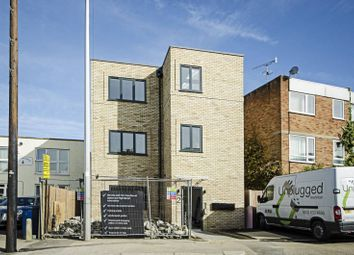 Thumbnail 2 bed flat for sale in Plantagenet Road, New Barnet