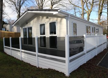 Thumbnail 2 bed mobile/park home for sale in Beauport Holiday Park The Ridge West, St Leonards On Sea