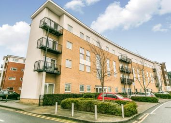 Thumbnail 1 bed flat to rent in Drake Way, Reading