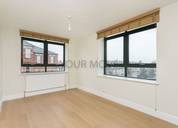 Thumbnail 1 bedroom flat to rent in High Road, North Finchley, London