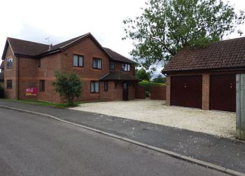 Thumbnail 5 bed property to rent in Foxborough, Swallowfield, Reading