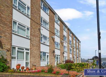 Crane Lodge Road, Heston, Hounslow TW5. 2 bed flat