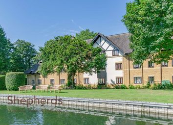 Thumbnail 1 bedroom flat for sale in Bishops Court, Cheshunt, Hertfordshire
