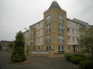 Thumbnail 2 bed flat to rent in Bittern Court, Dunfermline
