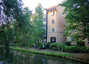 Thumbnail 3 bed flat to rent in Stephenson Wharf, Apsley Lock, Hemel Hempstead, Hertfordshire
