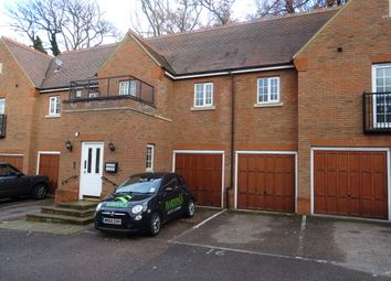 Thumbnail 2 bed flat to rent in Osborne Heights, Brentwood