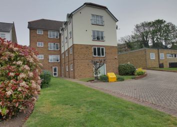 Thumbnail 2 bedroom flat for sale in Old Road East, Gravesend