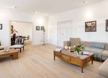 Thumbnail Property to rent in Saxon Hall, Palace Court, London