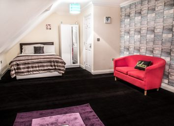 Thumbnail Room to rent in St. Peters Avenue, Kettering